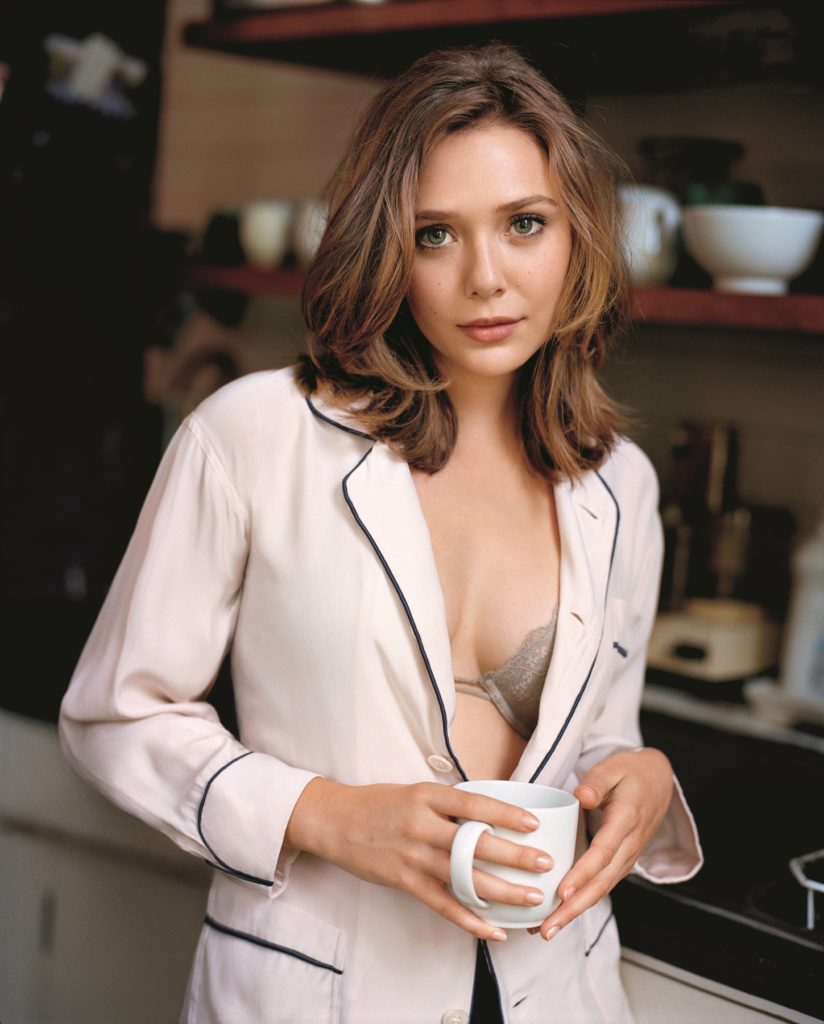 Elizabeth Olsen Topless Wallpapers