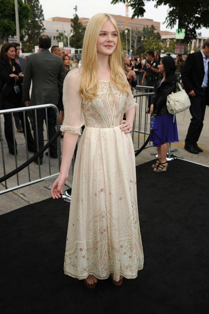 Elle Fanning Award Show Pics