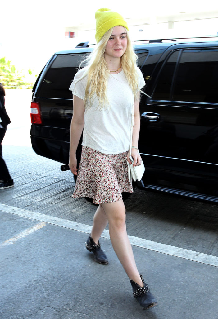 Elle Fanning Sexy Images