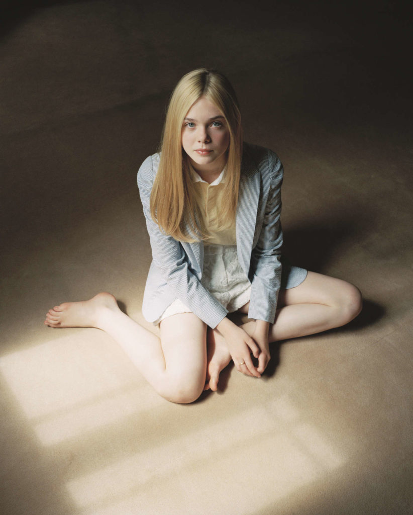 Elle Fanning Thigh Images