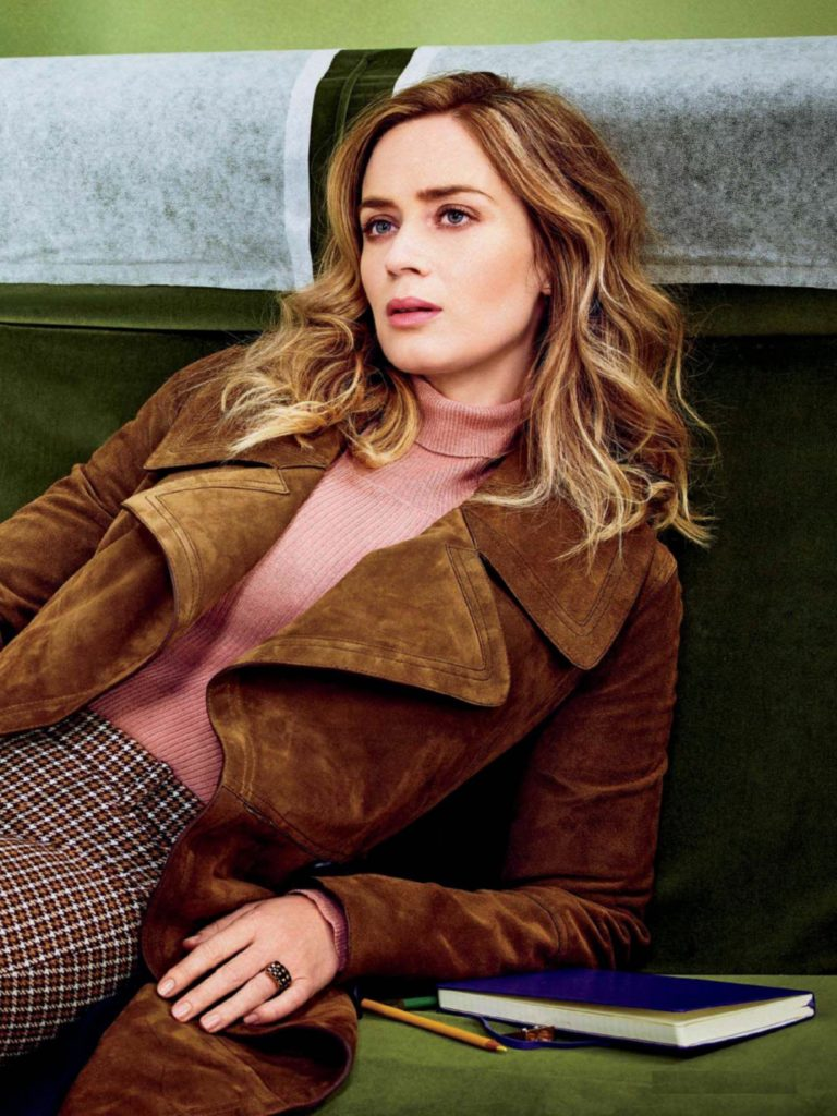 Emily Blunt Cheast Images