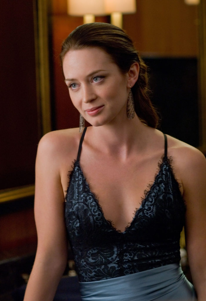 Emily Blunt Topless Photos