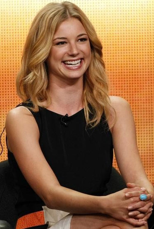 Emily VanCamp Smile Wallpapers