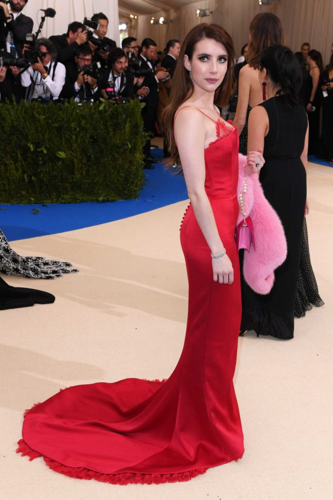 Emma Roberts Red Clothes Images