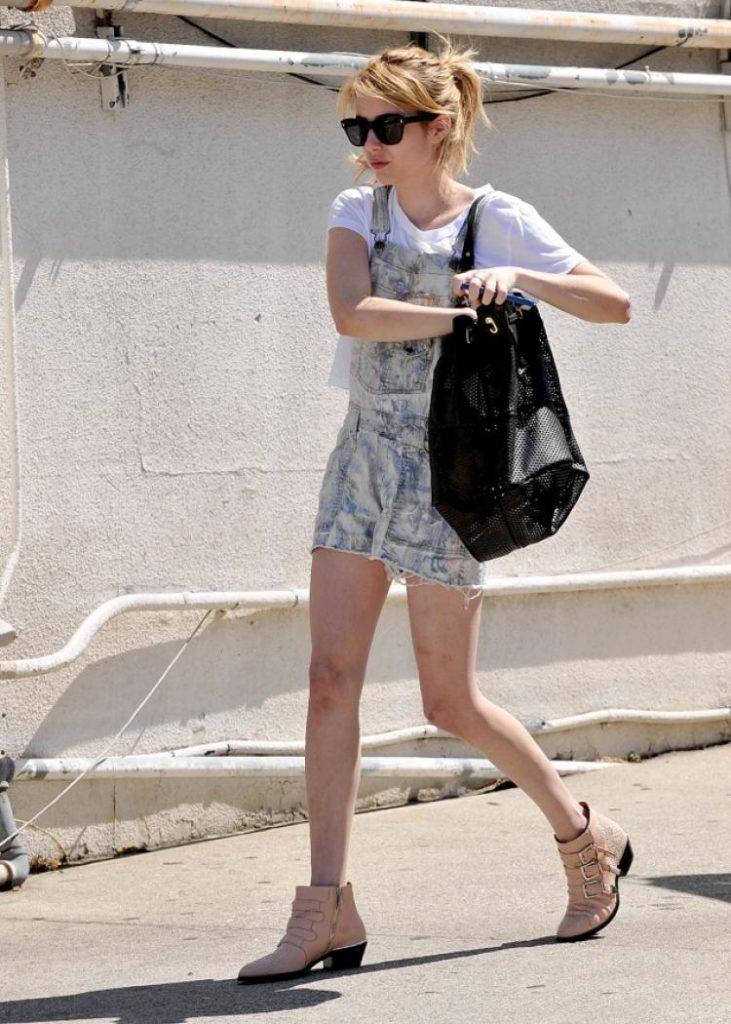 Emma Roberts Yoga Pants Images
