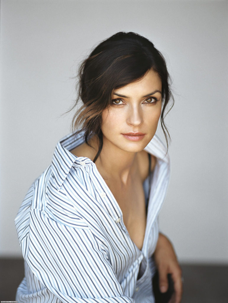 Famke Janssen Braless Images