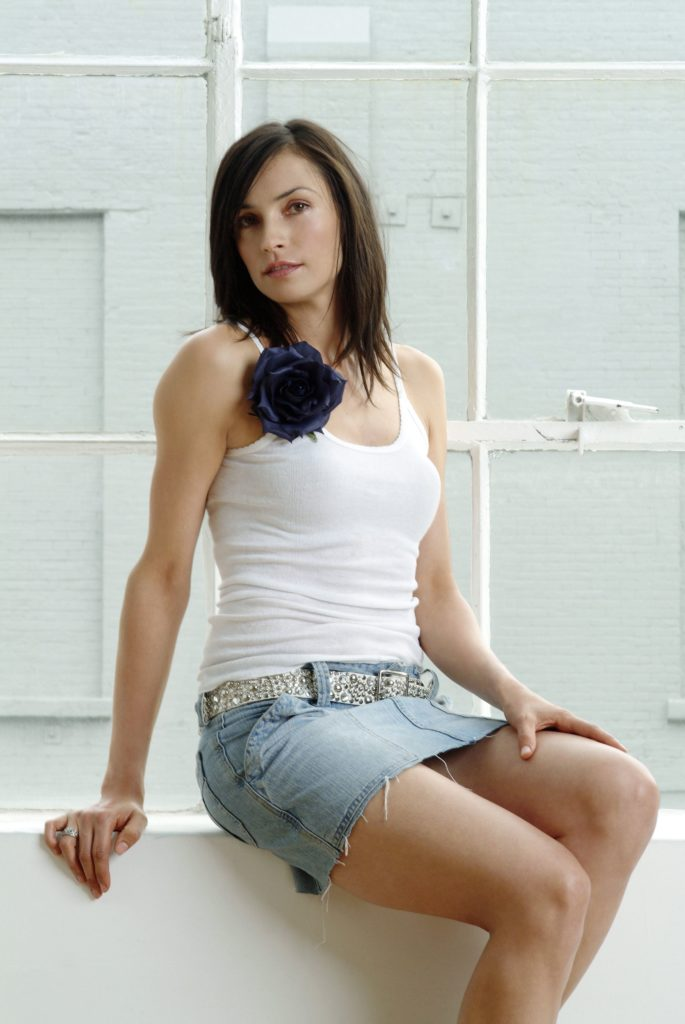 Famke Janssen Thighs Pictures