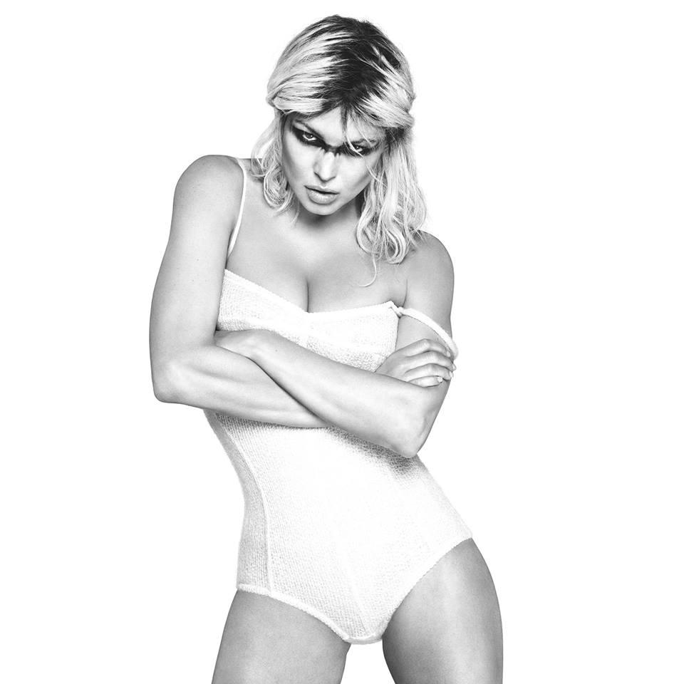 Fergie Swimsuit Images
