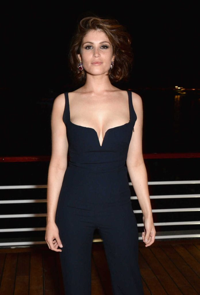 Gemma Arterton Topless Pictures
