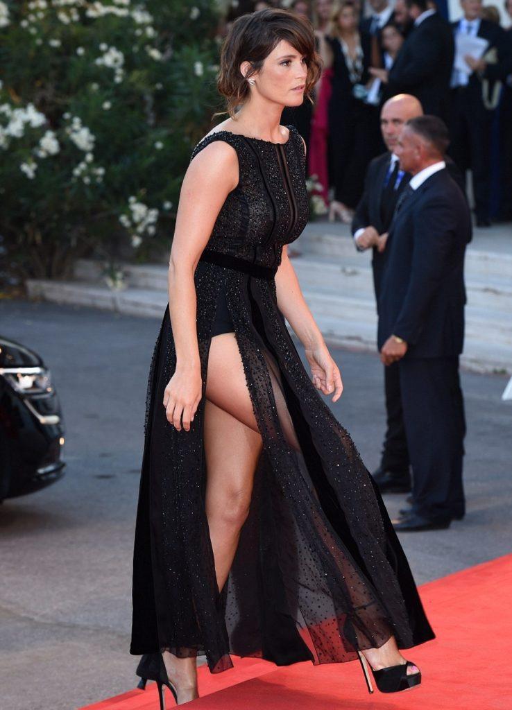 Gemma Arterton Undergarments Pics