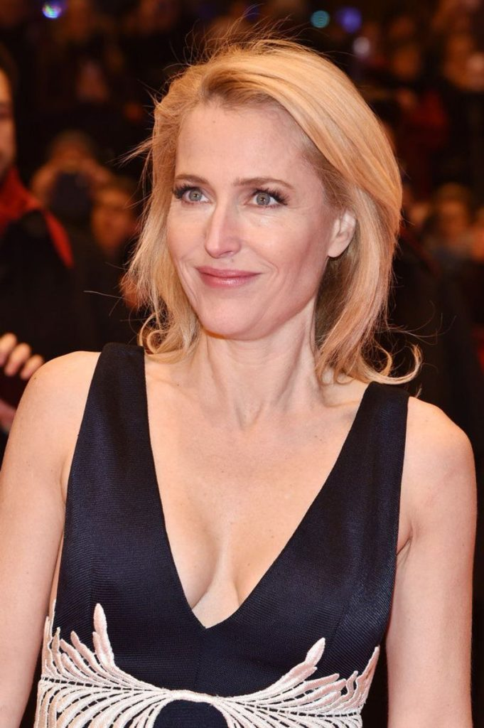 Gillian Anderson Short Hair Images