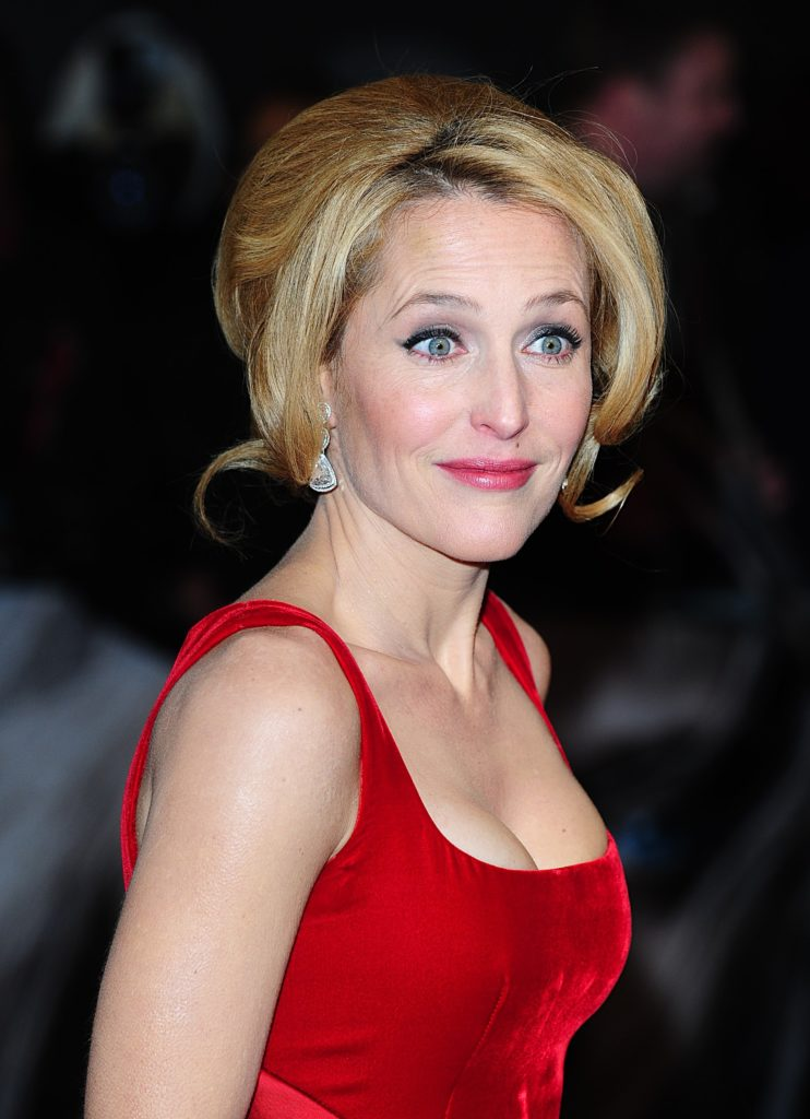 Gillian Anderson Topless images