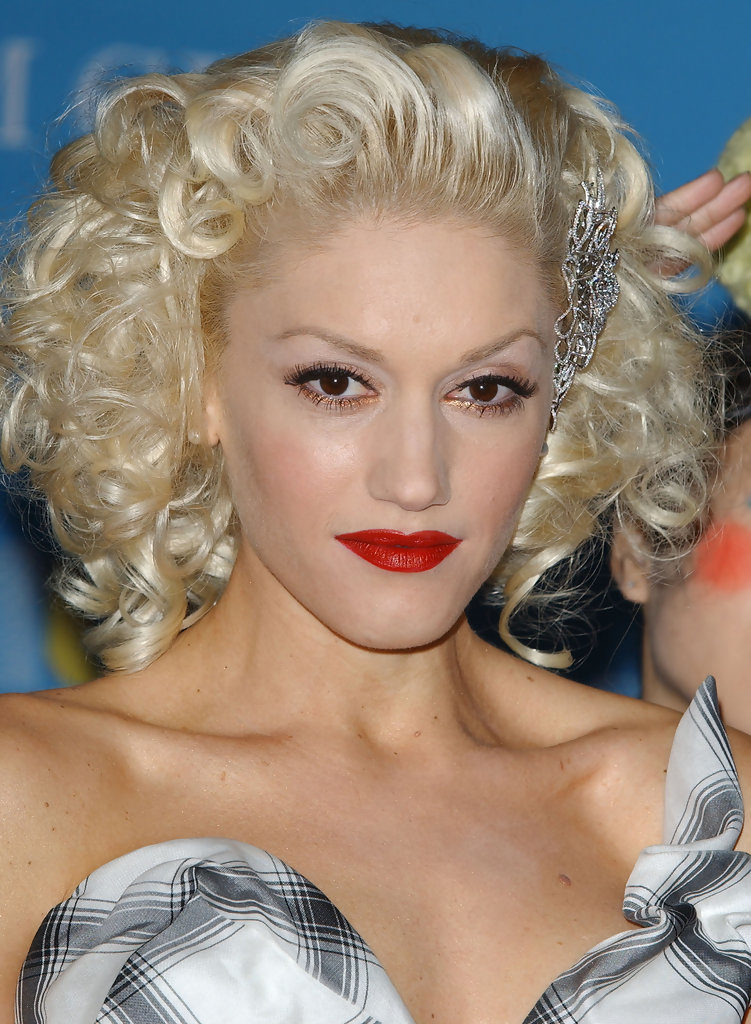 Gwen Stefani Topless Images