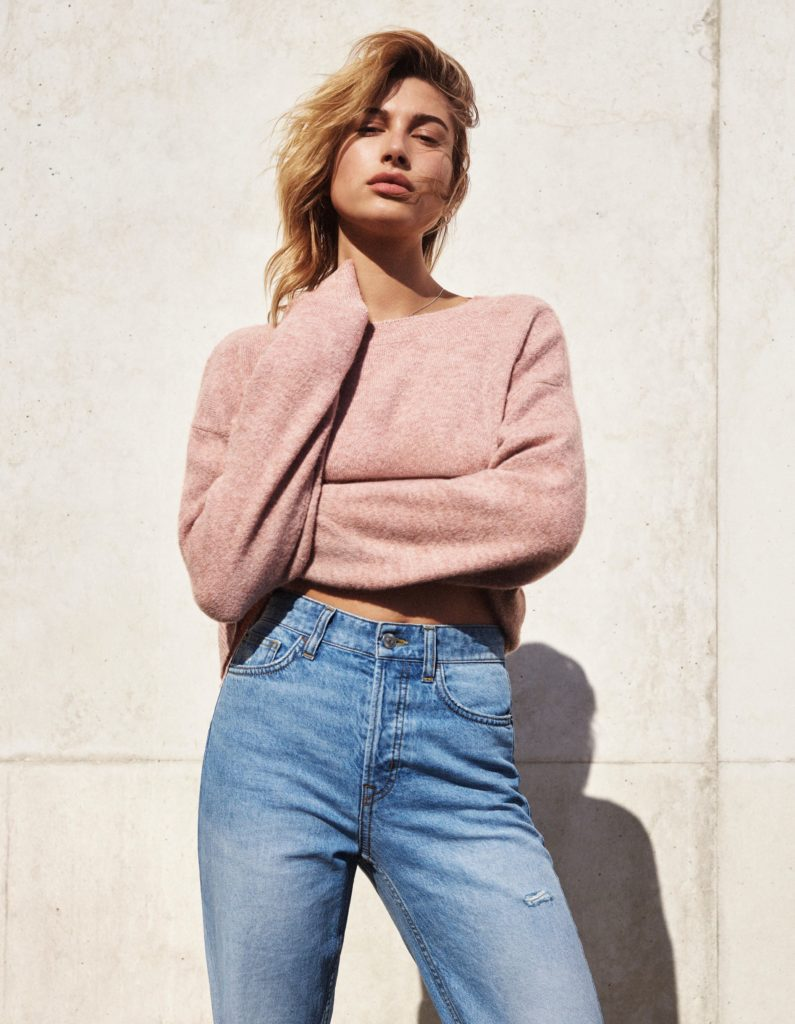 Hailey Baldwin Jeans Pictures