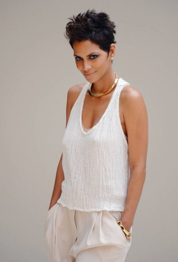 Halle Berry Yoga Pants Images