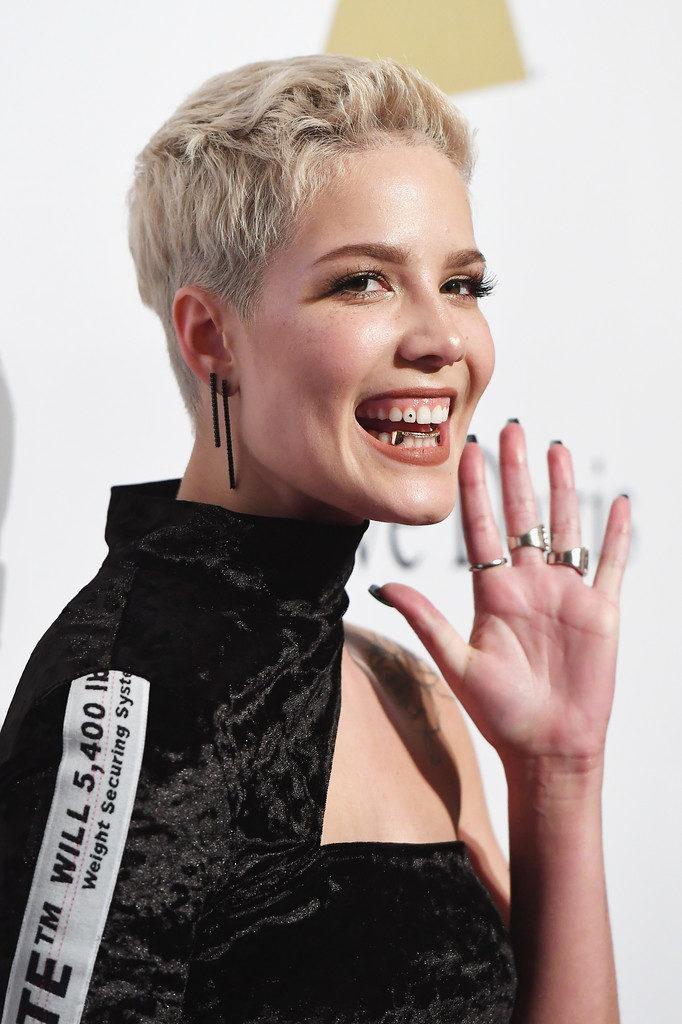 Halsey Short Hair Pics