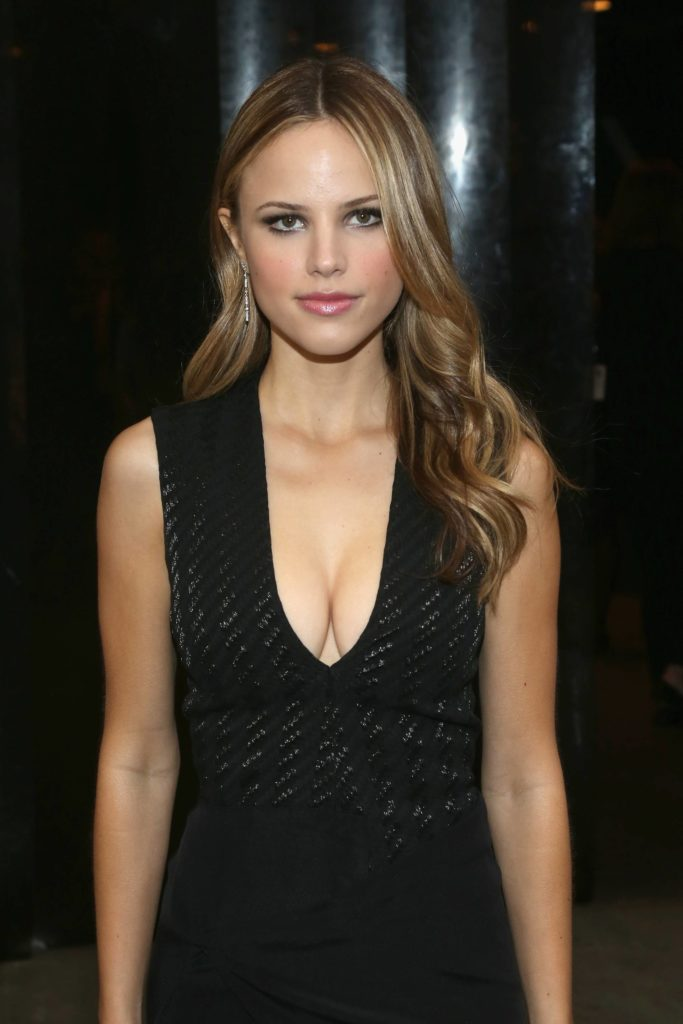 Halston Sage Hot Images Gallery