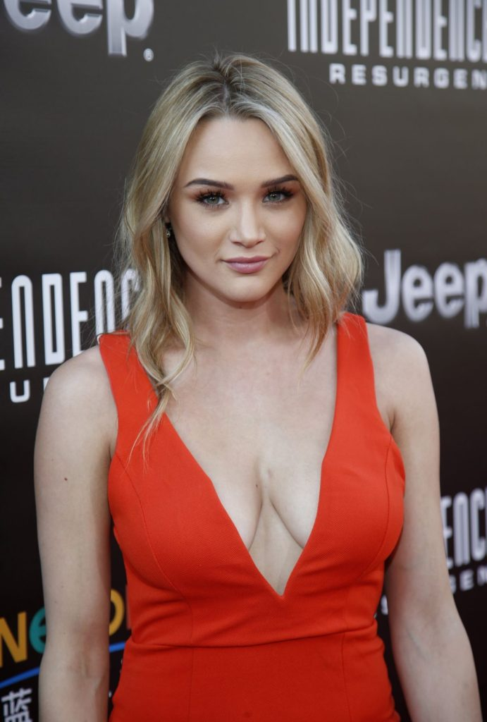 Hunter King Boobs Photos