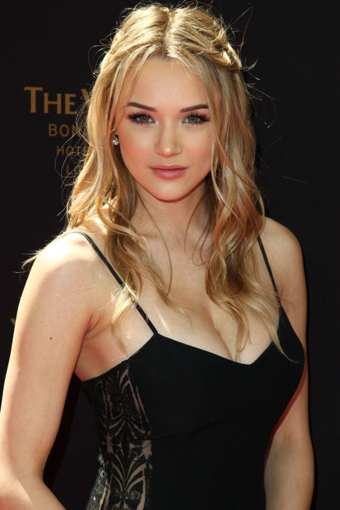 Hunter King Braless images