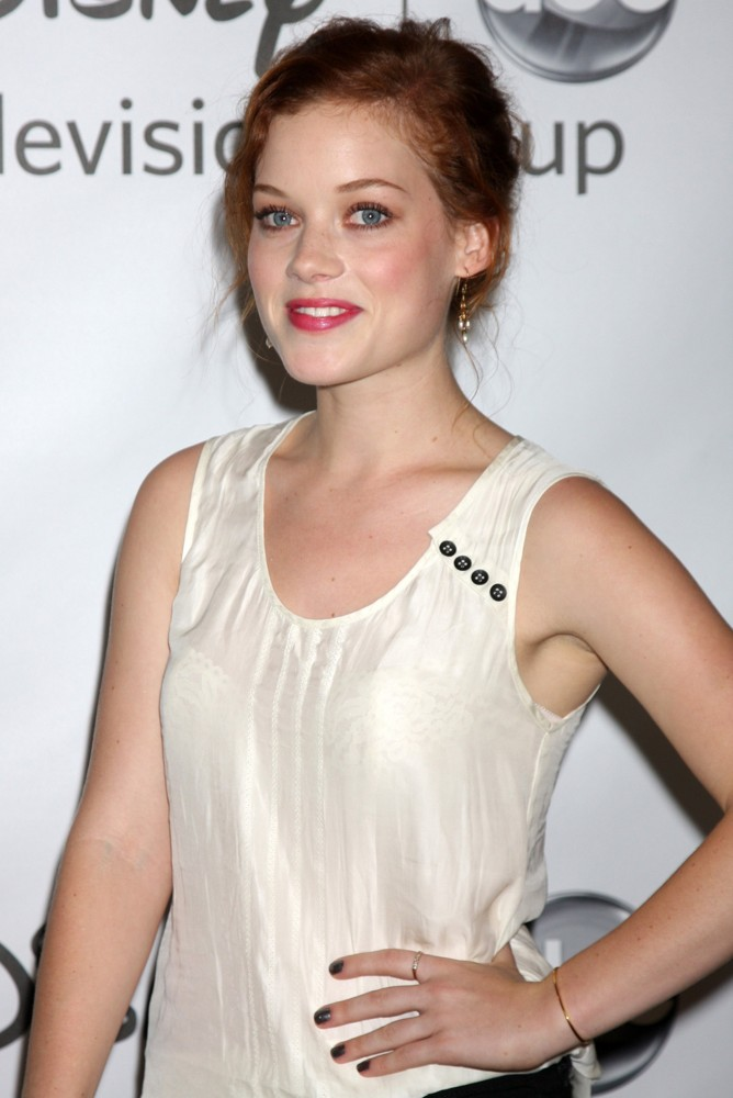 Jane Levy Hair Style Images