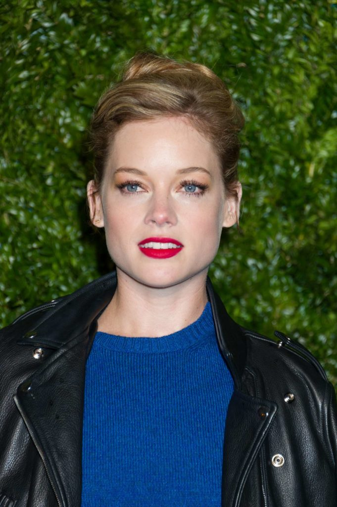 Jane Levy Sexy Eyes Pics