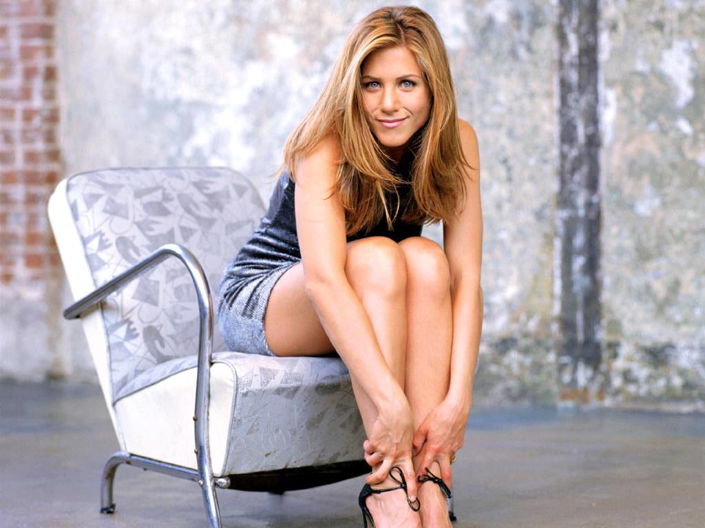 Jennifer Aniston Bikini Pictures