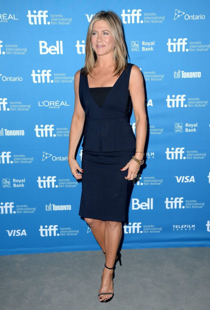 Jennifer Aniston Legs Images