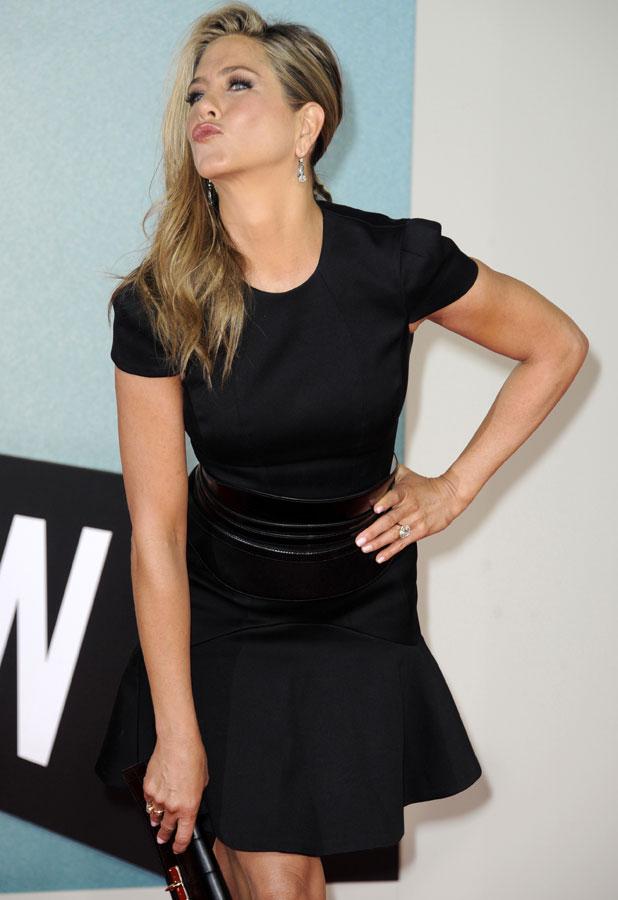 Jennifer Aniston Muscles Photos