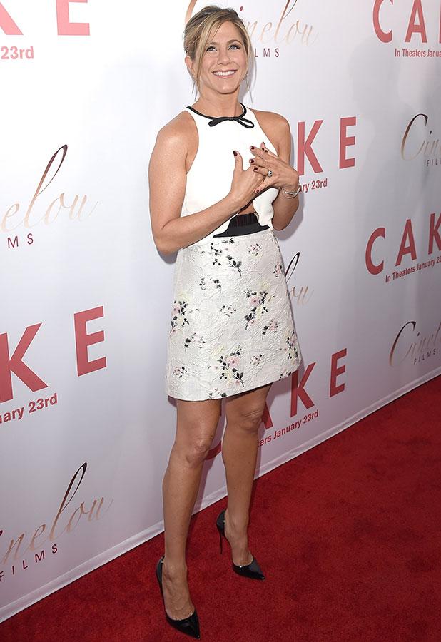Jennifer Aniston Yoga Pants Images