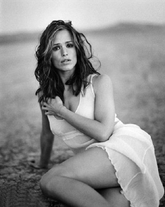Jennifer Garner Thigh Images