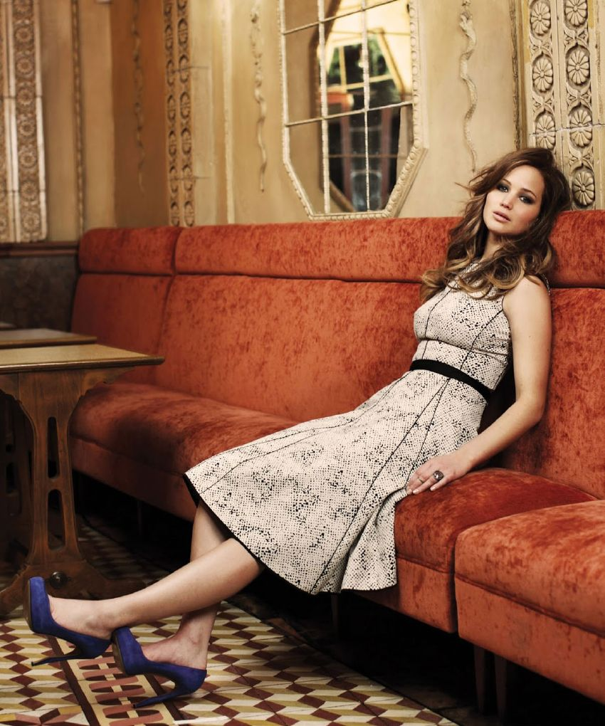 Jennifer Lawrence High Heals Pics