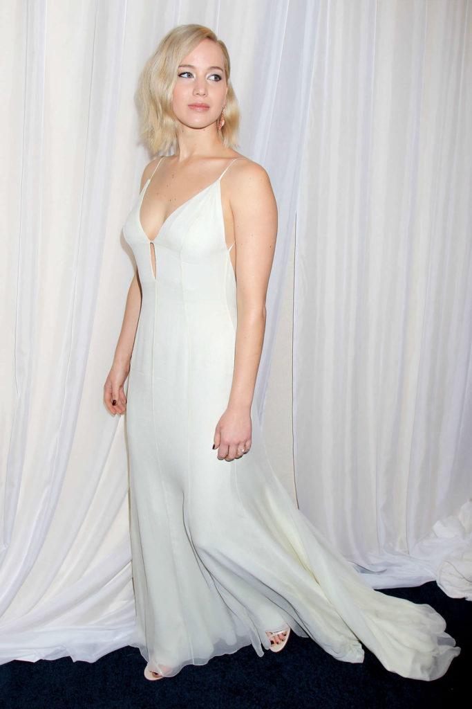Jennifer Lawrence Hot Images