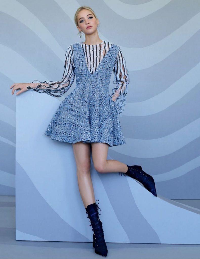 Jennifer Lawrence Pants Pictures
