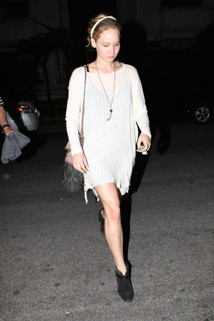 Jennifer Lawrence Undergarments Pics