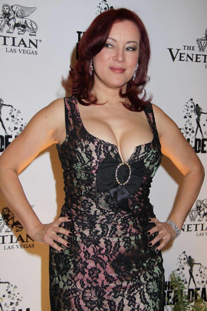 Jennifer Tilly Short Hair Pics