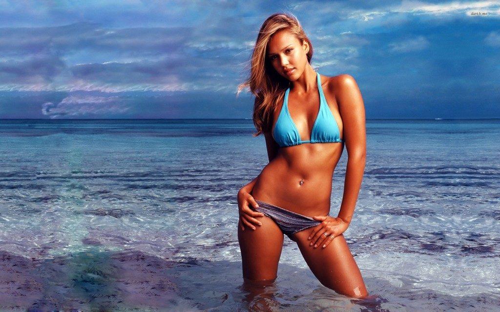 Jessica Alba Bikini Beach Pictures