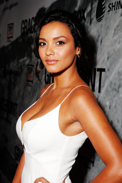Jessica Lucas Braless Images