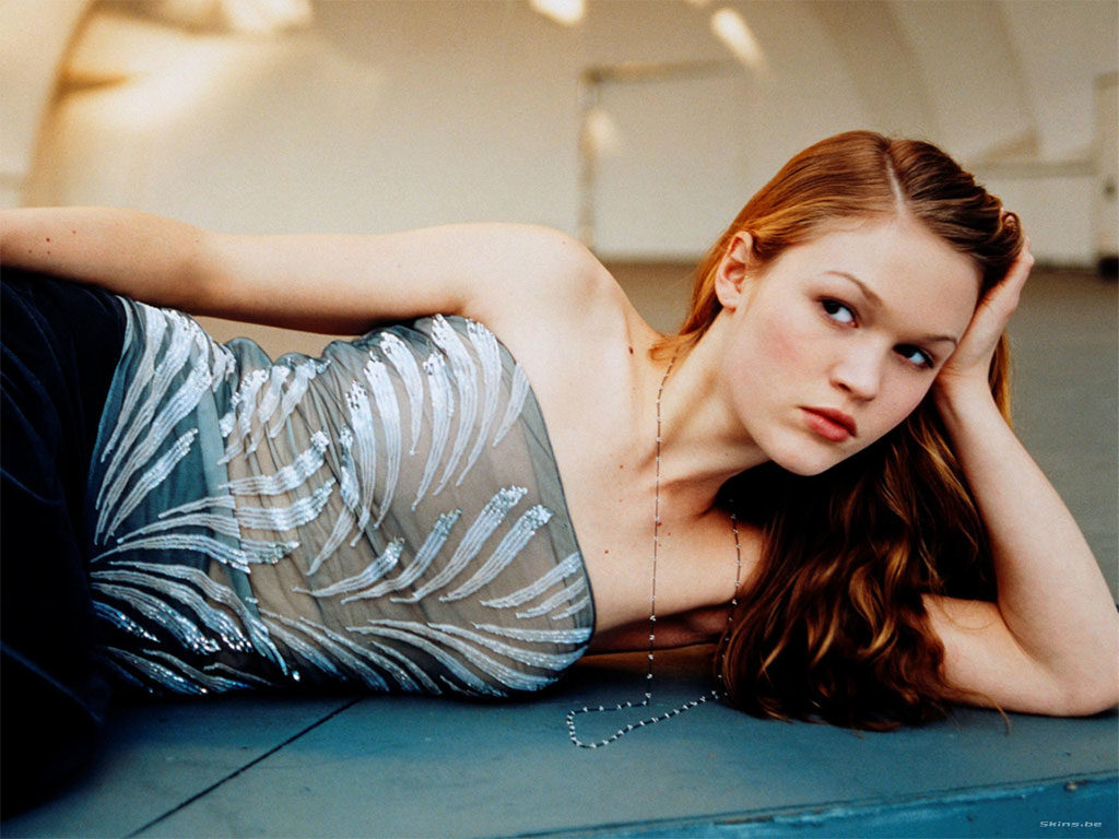 Julia Stiles Eyes Wallpapers