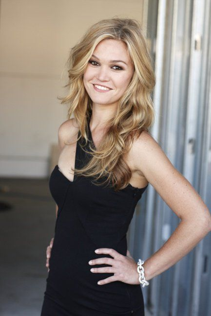 Julia Stiles Muscles Pictures