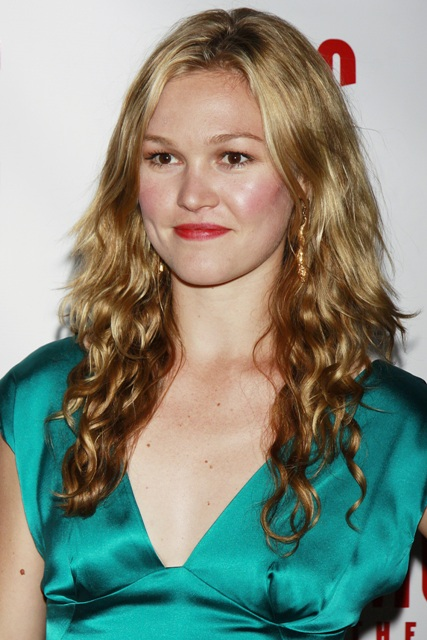 Julia Stiles Topless Images