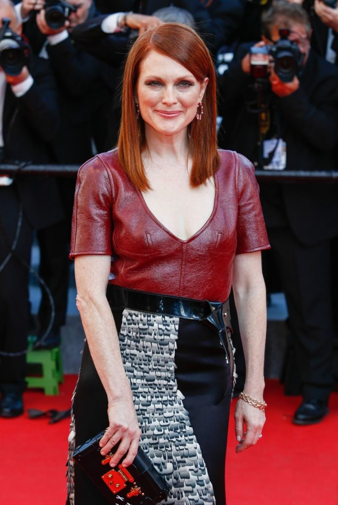 Julianne Moore Boobs Pics