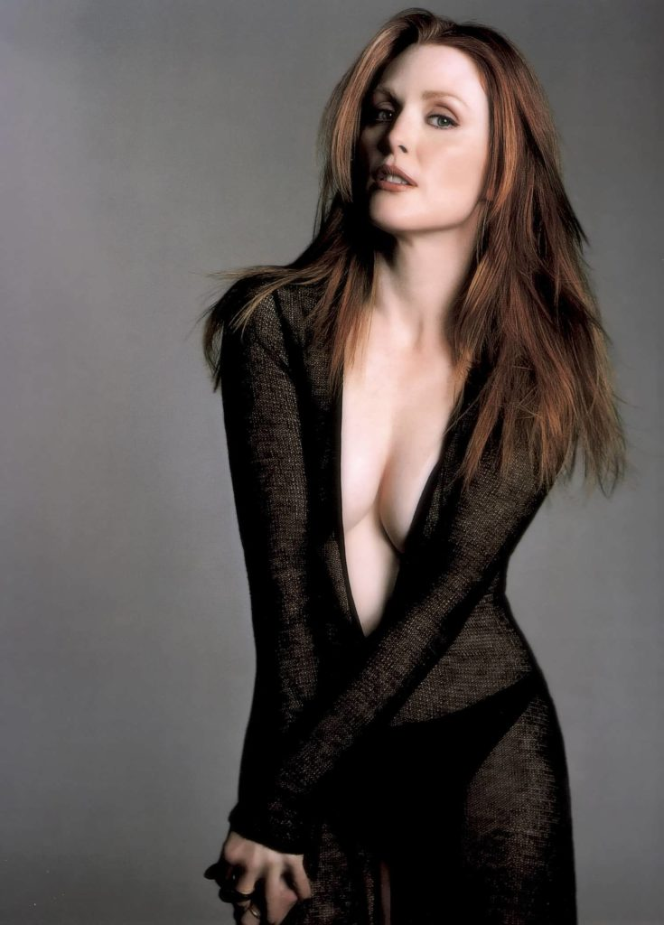Julianne Moore Boobs Pictures