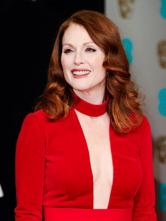 Julianne Moore Braless Pictures