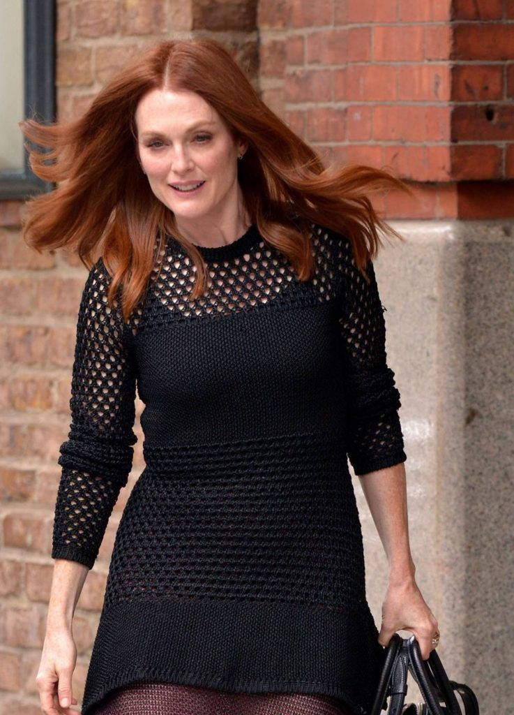 Julianne Moore Hot Pictures