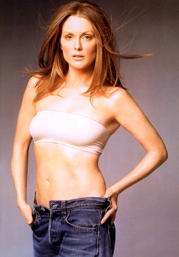 Julianne Moore Jeans Photos