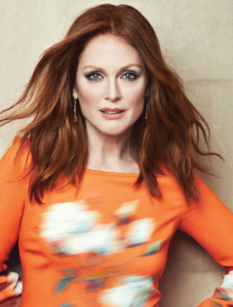 Julianne Moore Sexy Eyes Pics
