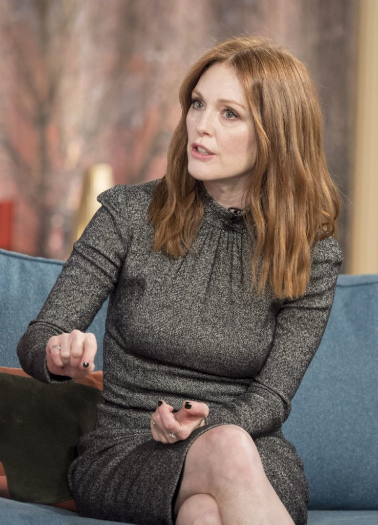 Julianne Moore Thigh Photos
