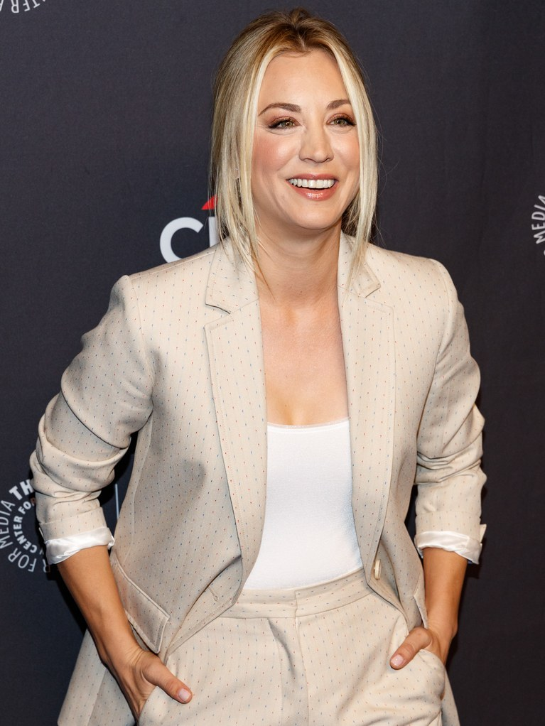 Kaley Cuoco Cute Smile Pictures