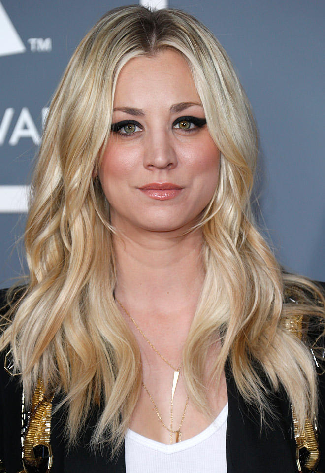 Kaley Cuoco Hot Pictures