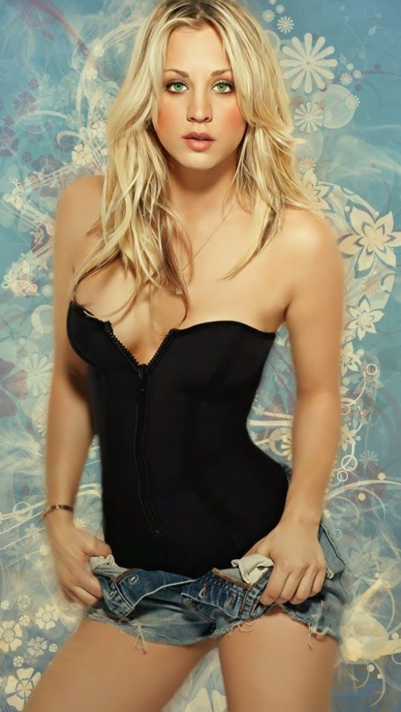 Kaley Cuoco Thigh Wallpapers